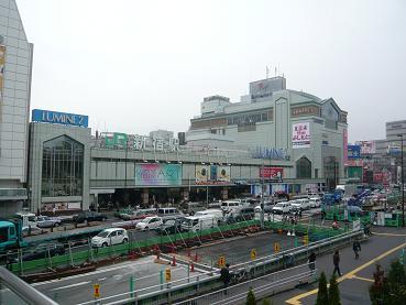 shinjyukueki1.JPG